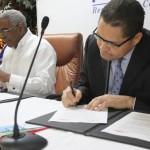 Intec y Loyola formalizan su ingreso al sistema académico y tecnológico de UIT
