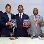 Heriberto Morrison presentó dos libros deportivos