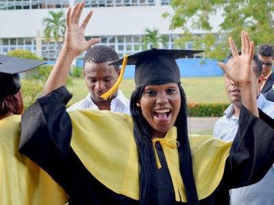 El día en que Maryelin Reyes Bautista se graduó de Periodismo en la PUCMM.