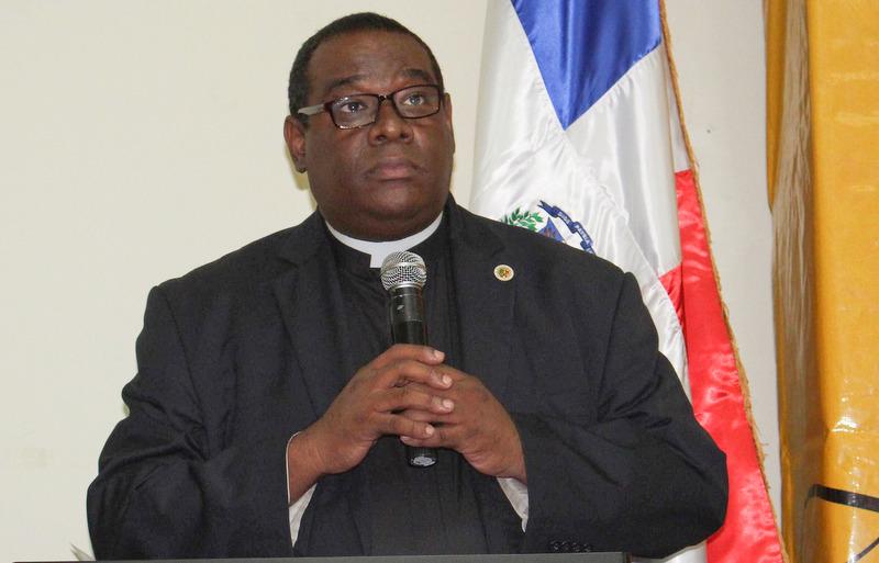 Padre Jesús Castro.
