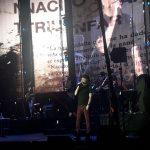 Sabina conecta con los dominicanos; organizadores del concierto ofrecen pésimo sonido