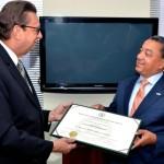 """La UNPHU reconoce director del IDAC como """"Egresado Distinguido"""""""