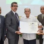 Odontología UASD reconoce profesores en celebración de sus 117 años