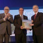 Popular aporta un libro sobre el turismo en RD que puedes consultar online