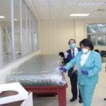 UASD dona antibacterial a cárceles para prevenir la COVID-19 y producirá protectores de plástico