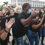 Jóvenes van a la Plaza de la Bandera para exigir a la JCE garantía en las votaciones